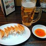 餃子バル 餃子家 龍 - 焼き餃子とビール