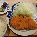 とんかつ 寿々木 - ロースカツ定食(1350円)