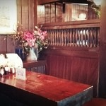 羅布乃瑠 沙羅英慕 - テーブル席