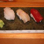 鮨金 - 料理写真:白海老をはじめ…朝とれのきときとのお魚をふんわりとした握りで♪