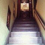 4905858 - 階段を上って2階がお店
