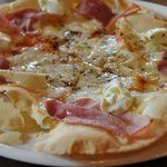 イタリア小僧 - 2010/8 クリームチーズと生ハムのピッツァ980円