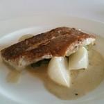 ル・ゼフィール - 料理写真:4500円のコースのメインは白身魚のソテー