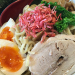 麺処 湧光 - 濃厚海老つけ麺(麺・具材)