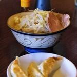 麺道 くろとん - レディース魚介G麺と半餃子