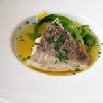 レゾナンス - 天然小鯛のブイヨン仕立て 蛤とサフランの風味