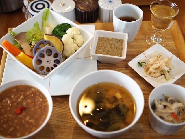 茶茶の間 - 旬の温野菜盛り合わせ