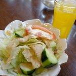 タータンチェック bar - サラダとジュース