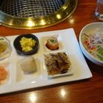 ボンボン - ランチの前菜とサラダ
