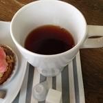 PÂTISSERIE DOUNEL - 紅茶