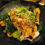 空 - 蒸し豚と有機野菜のサラダ ピリ辛四川ソース