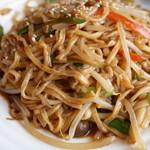 鴻星海鮮酒家 - フレッシュキノコと葱の煮込み伊府麺