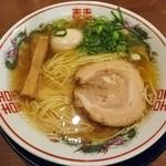 49073332 - 金醤油ラーメン720円+こだわり煮玉子100円