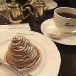 神戸珈琲物語 - モンブランとホットコーヒー