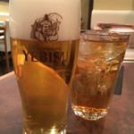 びじんや - 生ビール、ピーチウーロン