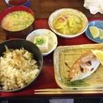 地魚料理 ますだ - 日替わり定食850円♪