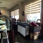 プリマベーラ - 窓側の席