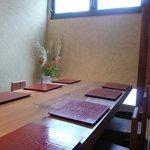蕎麦 たかま - テーブル席