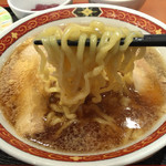 喜多方ラーメン 大安食堂 - ランチのラーメンは麺も少なく「小」かと思い確認したら単品と同じとのことだった。少なっ。