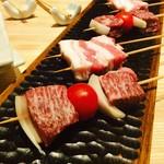 炭火・焼鳥 鶫 - 和牛鞍下肉(ザブトン)や肉厚の糸島豚も人気です