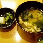 京町や 吉むら - 味噌汁とお漬け物