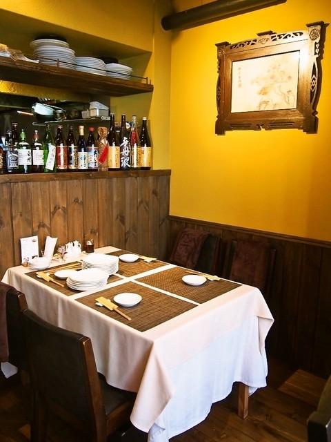 施家菜 - テーブル席