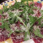 ピッツェリア・ダ・ガエターノ - 馬肉のカルパッチョ。                             イタリアでも馬肉を食べる食文化があるなんてビックリ。
