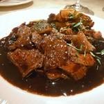ル・ジャルダン・デ・サヴール - 鳥取県産野生猪のフリカッセ赤ワインソース 筍とセップ茸添え