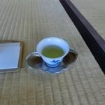 玉露の里 瓢月亭 - この一杯でお茶の見方が変わります。
