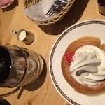 コメダ珈琲店 - プチシロノワールとたっぷりアイスコーヒー