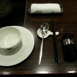 天香回味 - テーブルセット