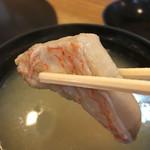 49124231 - あら汁には魚の身が入ってます。