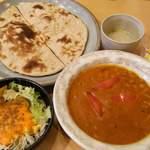 49127054 - 【カレーランチ(ダルカレー) \820】                       スープ、サラダ、デザート、ナンorライスorタンドールロティが付きます