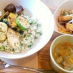 ペグルカフェ - 料理写真:今日のご飯ランチ