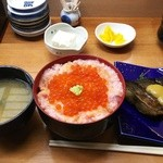 49131580 - Aセット1700円(税込)は、わがまま丼、蟹風味の味噌汁、そして焼き魚(天ぷら、唐揚げも選択可)。
