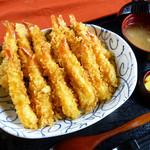 春夏秋冬 - 料理写真:当店名物「えび天丼 970円」です。