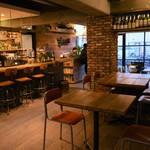 グローカルカフェ - テーブル席