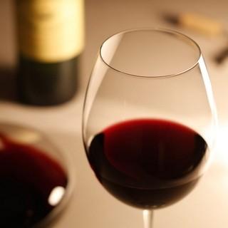 豊富なワインが楽しめる