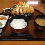 49141790 - とんかつ定食(1,050円)