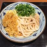 丸亀製麺 - ぶっかけ冷並。トッピングタップリに(o^^o)
