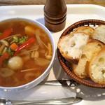 カフェマロン - スープ ドゥ マルシェ、パン