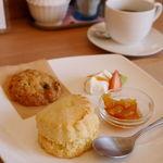 ビーンズ カフェ - スコーンセットとげんこつクッキー