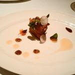 49150135 - 桜肉タルタル マスタード効いて挟んだクルトンの食感絶品
