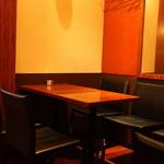 オーチャードナイト - テーブル席