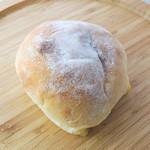 元気パン工房 ごぱん - チーズのロールパン
