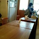 トモチェカフェ - 『スパイシーカレー』¥500-をテイクアウトするママ