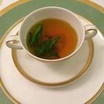 49160767 - 蛤のコンソメスープ~サフランの香り 菜の花を添えて