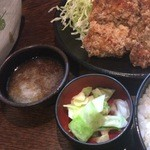 串エ門 - おろしポン酢、キャベツの浅漬け