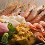 ウルトラ甲殻類海鮮丼