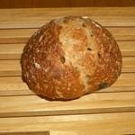 49167310 - 黒オリーブ入りのパン